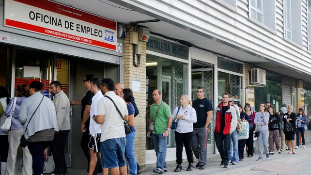 The Unemployment Total In Spain Decreased In The Holiday Boom