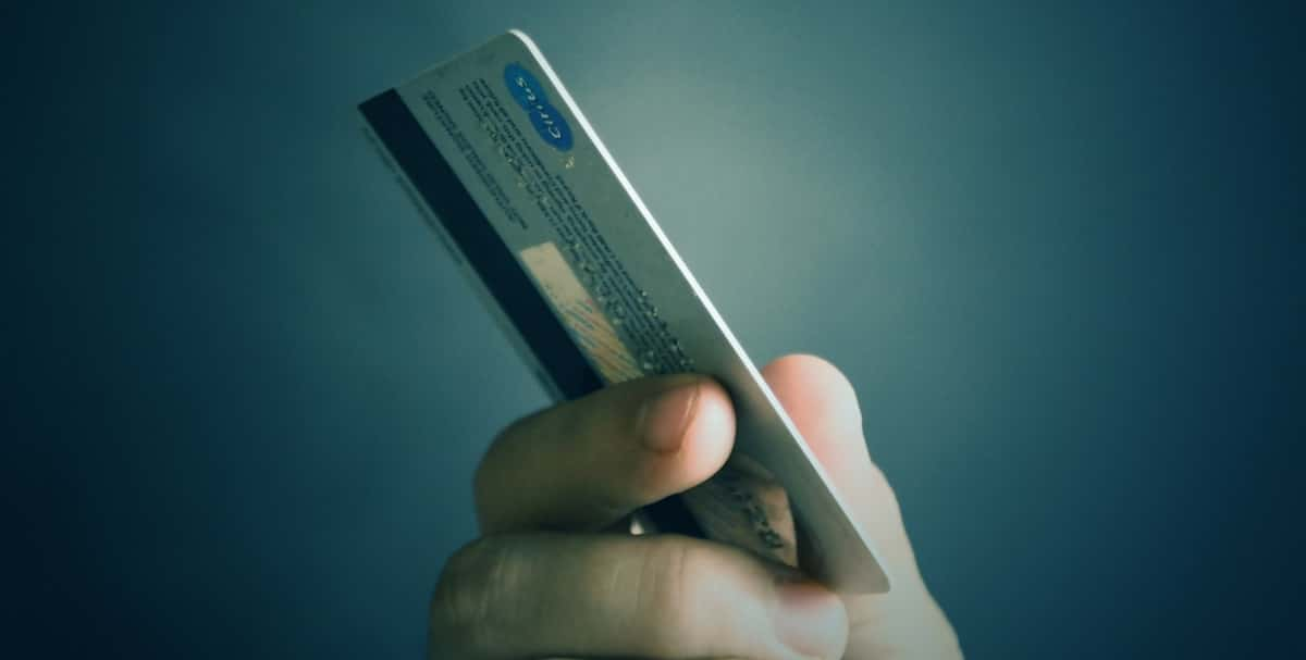 Why Is Some Debt on Credit Cards Good for Your Credit Rating