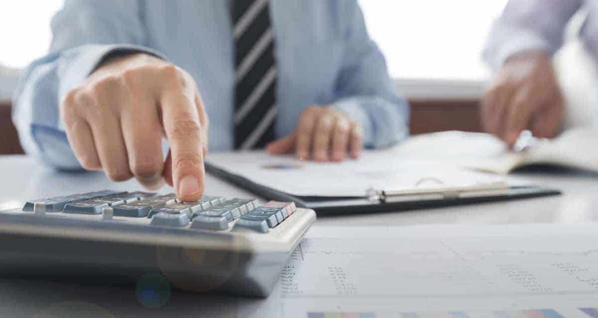How Businesses Can Choose the Best Debt Settlement Company