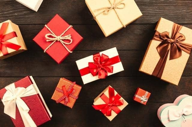 Best Jewelry Gifts for Girlfriend - Holiday Gift Guide