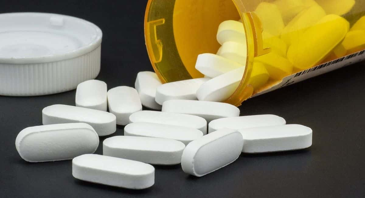 Ditching Pain Pills: 9 Need-to-Know Tips for Long-Term Opioid Addiction Recovery