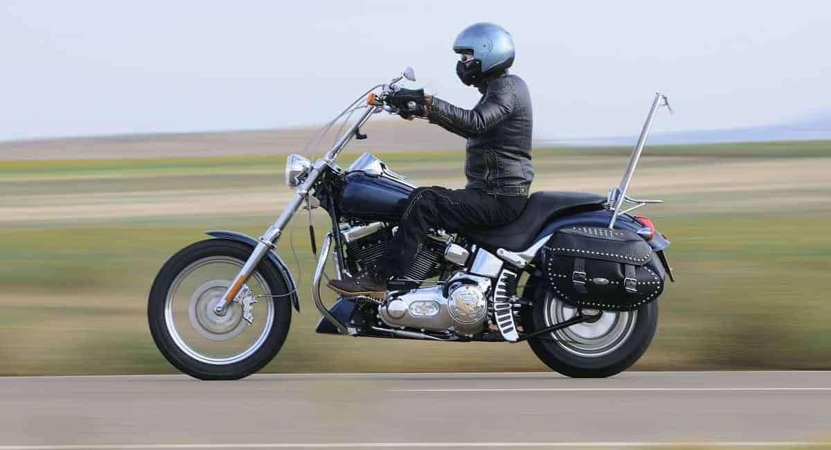 15 Tips on Picking Stylish yet Necessary Motorcycle Riding Gear
