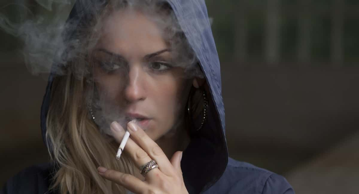 Addict Behavior 7 Simple Signs That a Loved One Is Using Drugs...