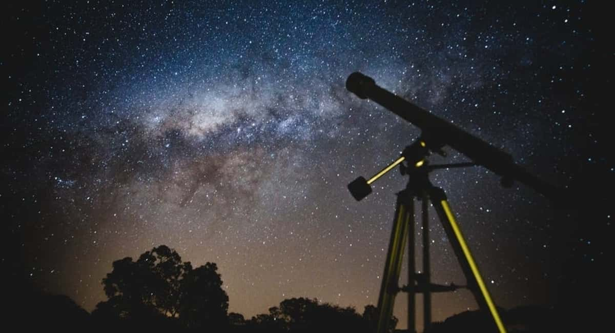 Astronomy vs Astrology: What's the Difference and What's the Same?