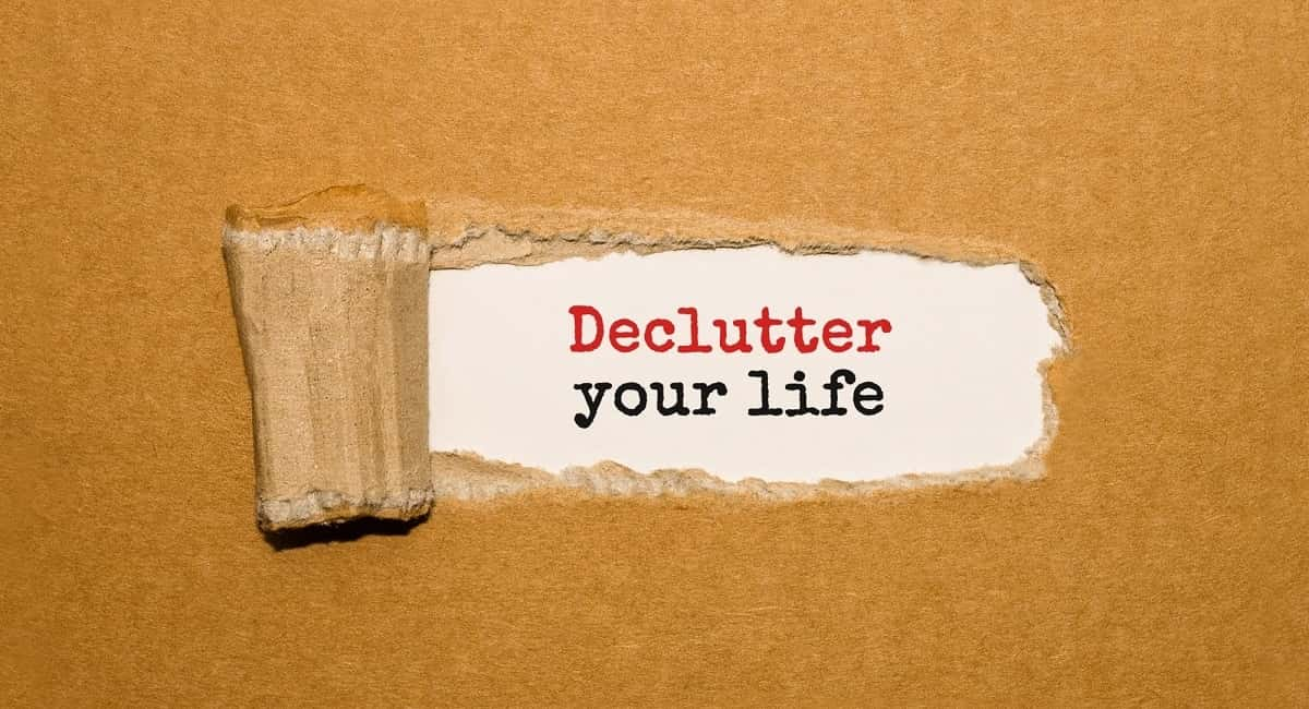 Let Them Go: Top 3 Decluttering Tips for Hoarders