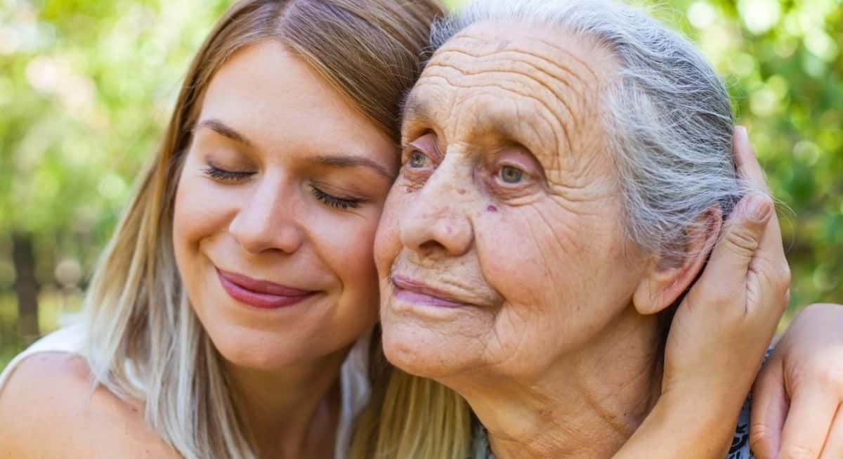 5 Helpful Tips for Properly Communicating with a Dementia Patient