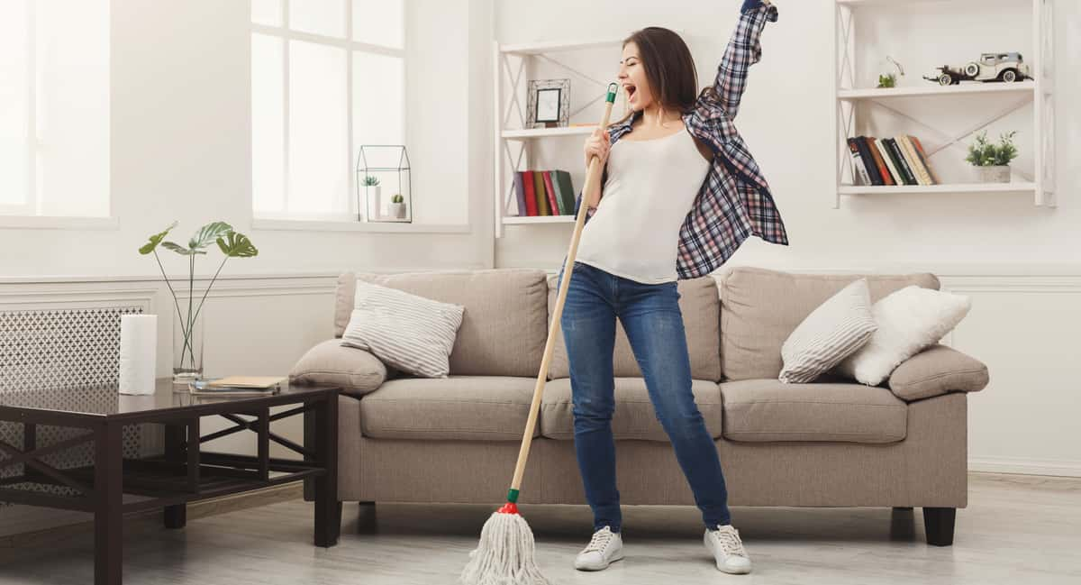 8 Amazing Tips to Keeping a Clean House