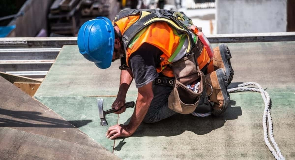 Eyes Open Helmets On The Most Common Construction Injuries to Be Aware Of