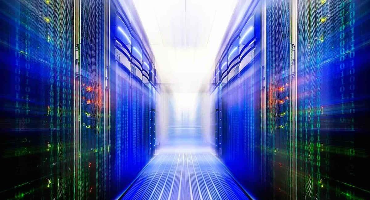 How does Ceph Storage manage data redundancy?