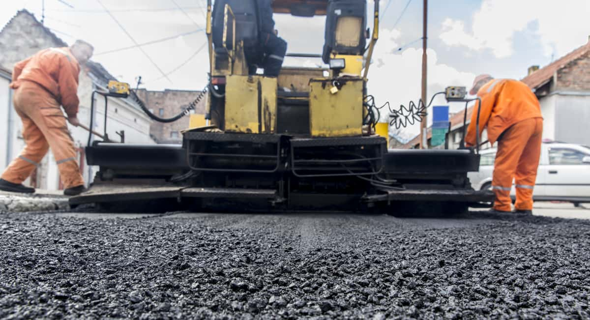 5 Things to Know When Choosing Local Paving Contractors