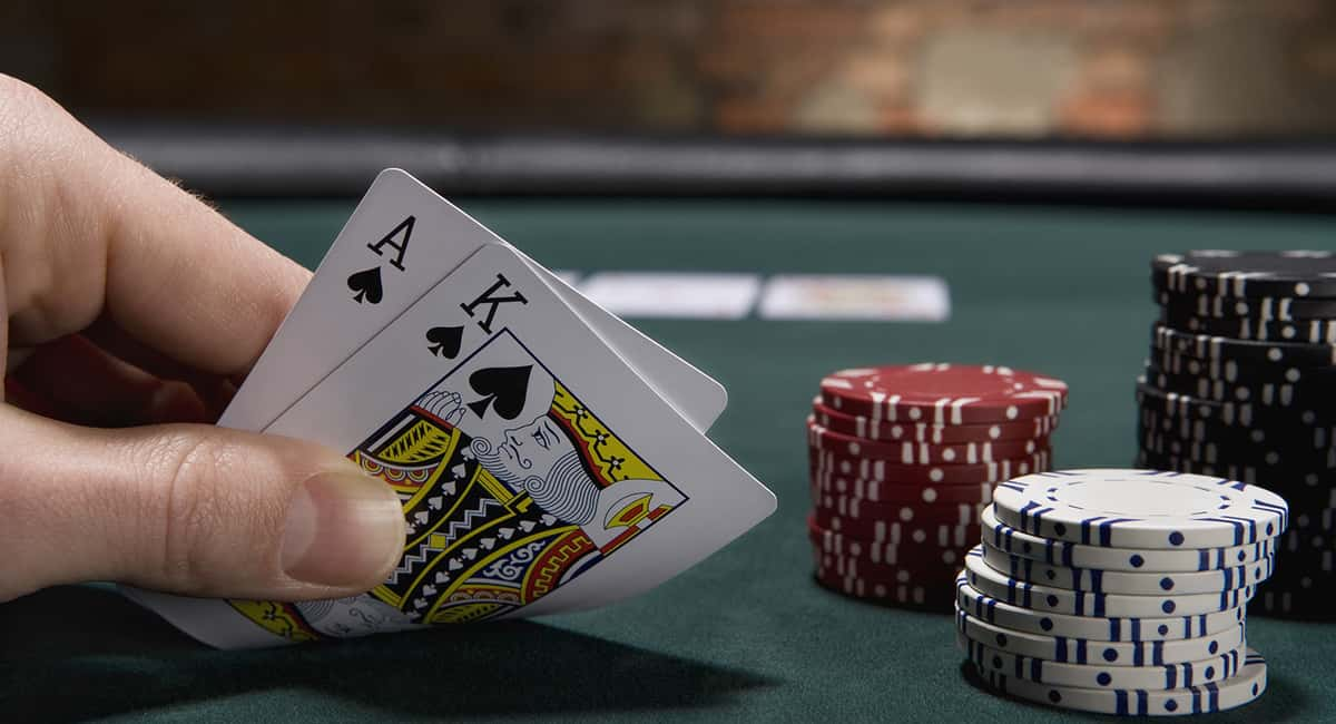 Blackjack strategies you should keep in mind when playing online