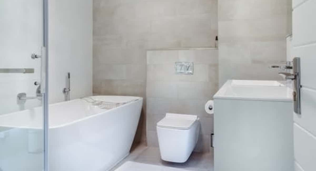 How to Hire the Right Bathroom Remodeling Contractor