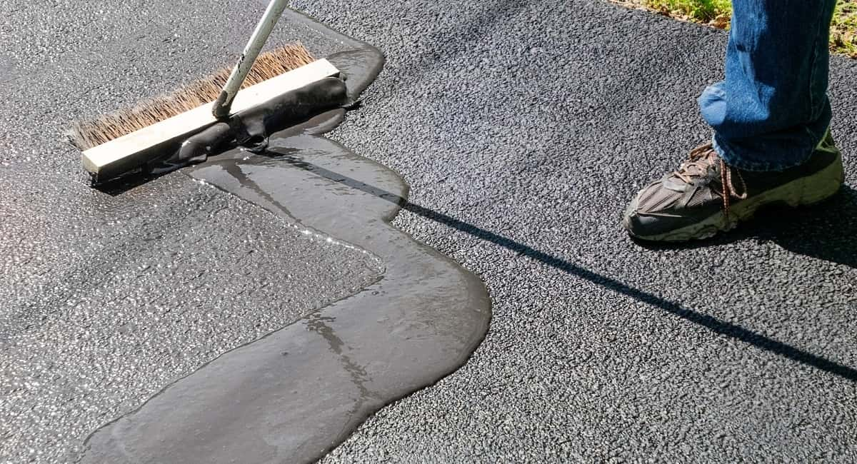 The Top Benefits of an Asphalt Driveway for Your Home