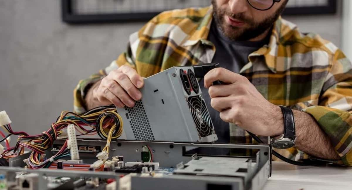 5 Factors to Consider When Rebuilding or Repairing Industrial Electronics