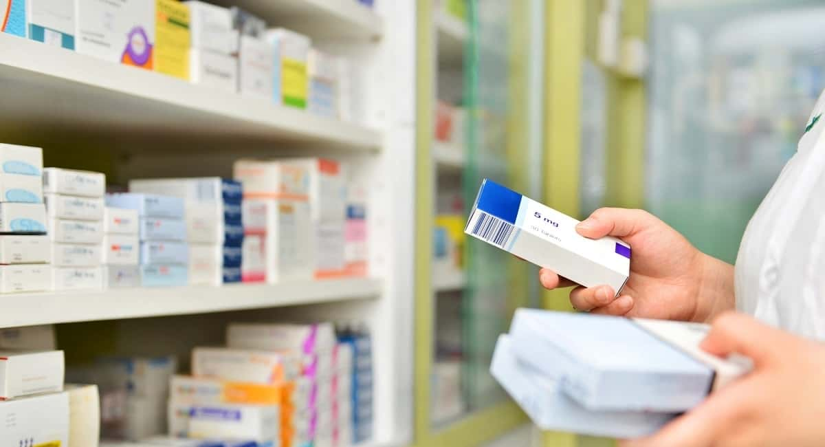 Generic vs Brand Name Drugs: Everything You Need to Know...