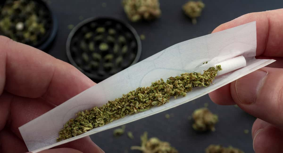 How to Roll a Joint and Get a Good High