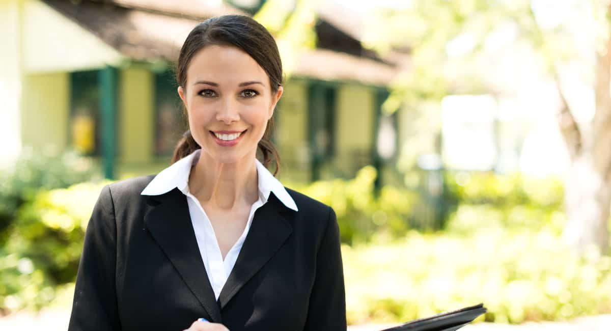 how to choose a real estate agent for selling