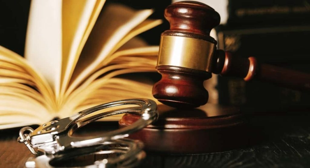 Factors To Consider When Looking For A Criminal Defense Attorney For Personal Hiring