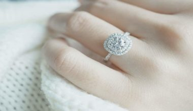 how to find out your girlfriend's ring size