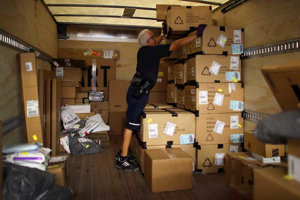 Stacking Boxes Inside Your Truck