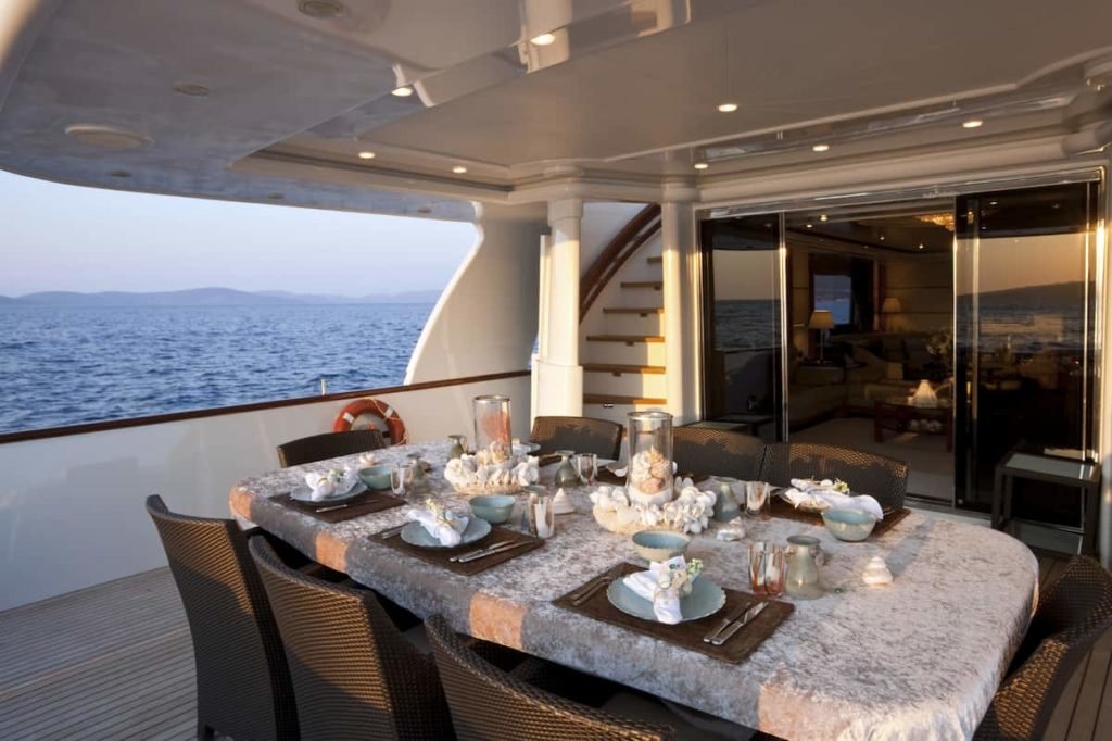 Thinking About Booking a Yacht Dinner Cruise