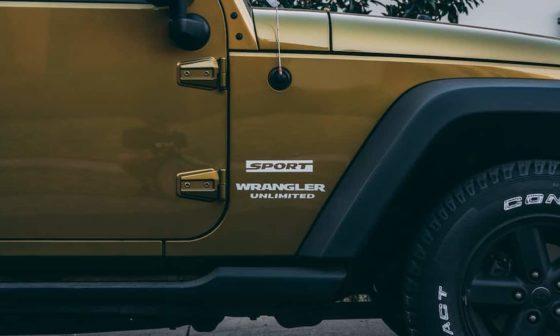 jeep wrangler vs ford bronco