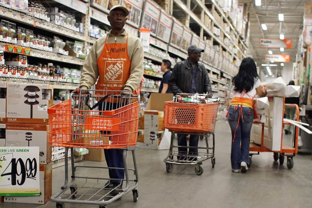 Home Depot alerts their customers to changing hours