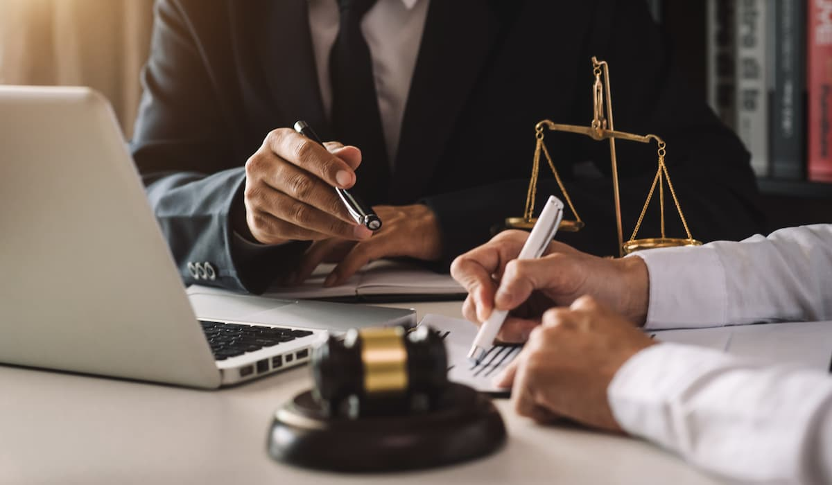 Need A Commercial Lawyer